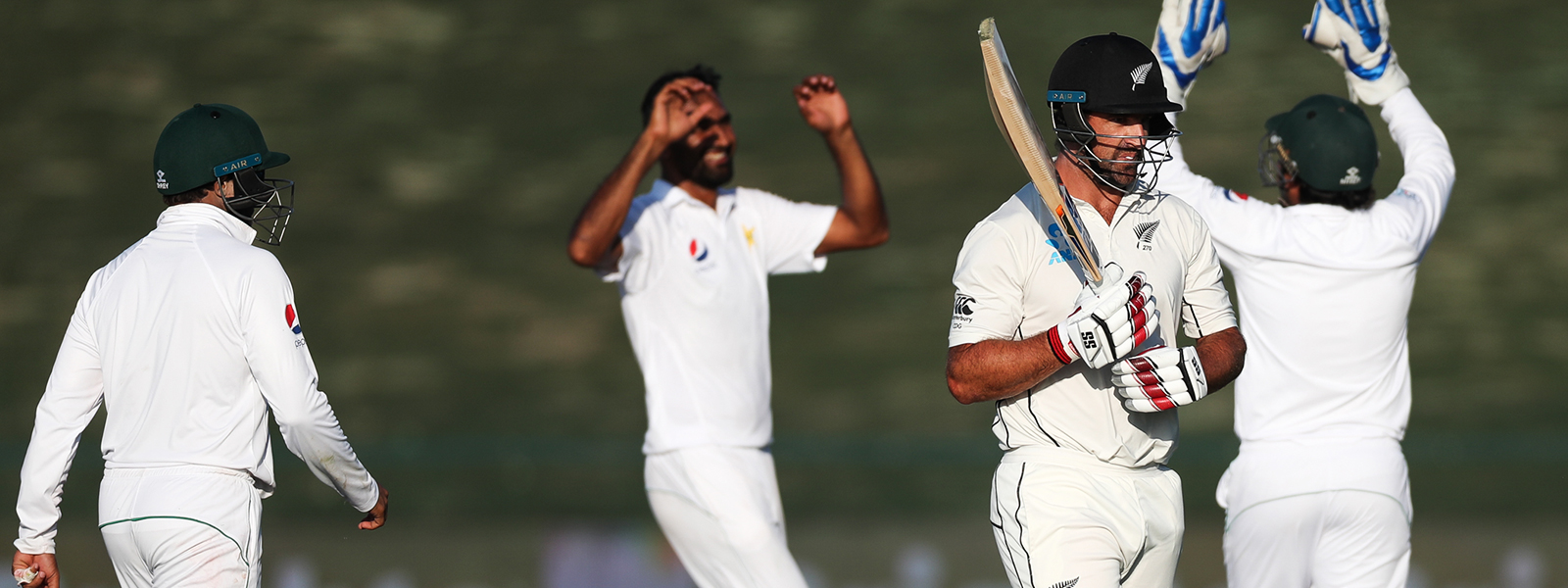 Kiwi's Knuckle Down After Pakistan Apply The Pressure
